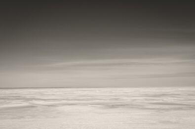 lumière du soleil paysage blanc Monochrome mer abstrait ciel hiver plage la glace côte horizon atmosphère Paysage lumière nuage Aube Bw noir blanc océan vague forme Noiretblanc Noirblanc Minimaliste Phénomène atmosphérique noir et blanc Photographie monochrome Vague de vent Moncton Xpro2