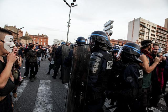 État policier: face aux violences, construisons la lutte de masse