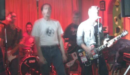 """Brigitte Bop - Nous sommes un groupe de twist n'punk."""""""