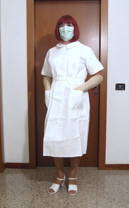 Infirmière mary en blanc