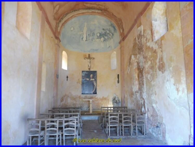 Rougiers : le Castrum St Jean et la fontaine de Guillandière