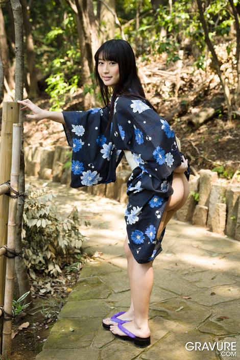 WEB Gravure : ( [GRAVURE.COM] - Tomomi Motozawa/本澤朋美 : Edo Girl )