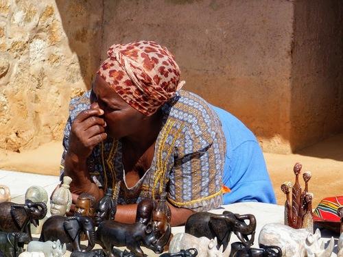 un petit marché artisanal au Swaziland