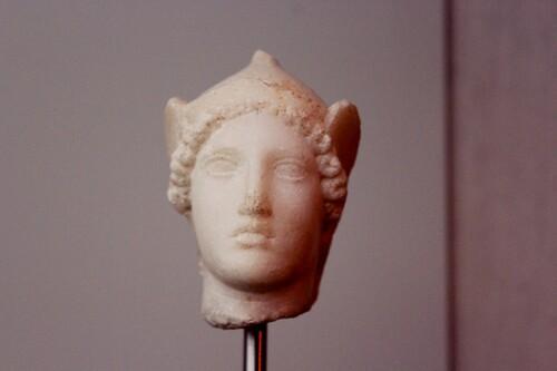 Têtes de statues grecques