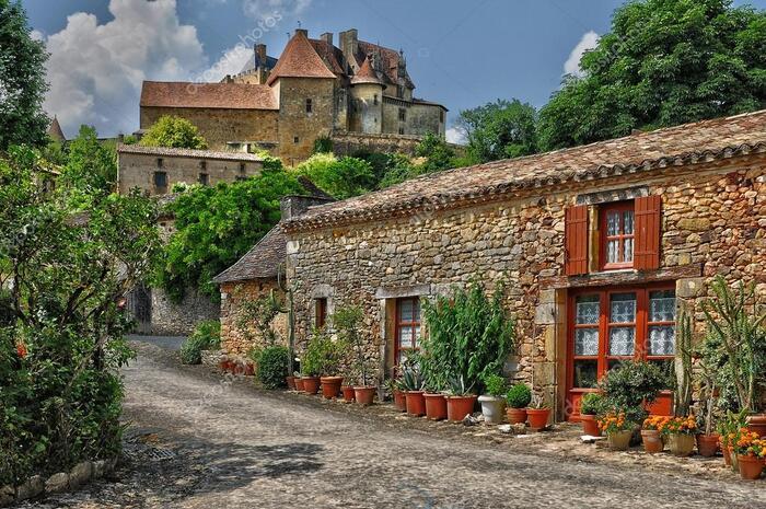 Beynac & Cazenac, En Sentinelle Sur La Vallée De La Dordogne -  Par Détours En France