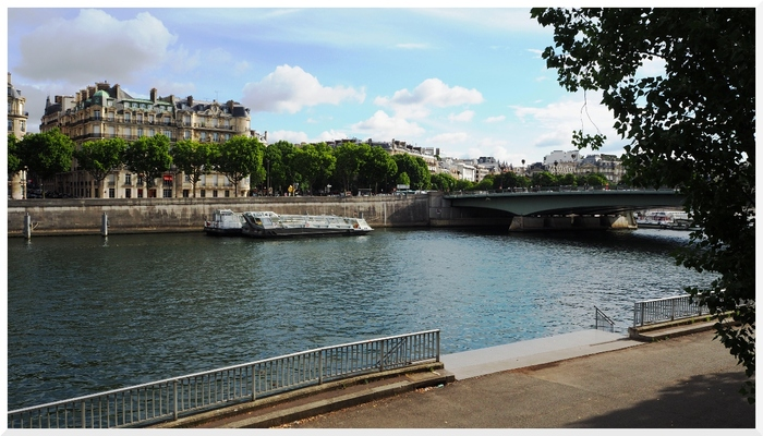 Berges de Seine, rive gauche.