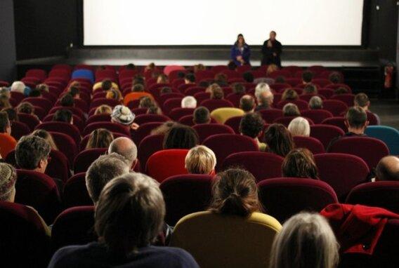 À l'Iris cinéma, la projection du documentaire «Aube dorée, l'affaire de tous. Quelle résistance?», sera suivie d'une rencontre avec sa réalisatrice, Angélique Kourounis et son coauteur Thomas Iaco
