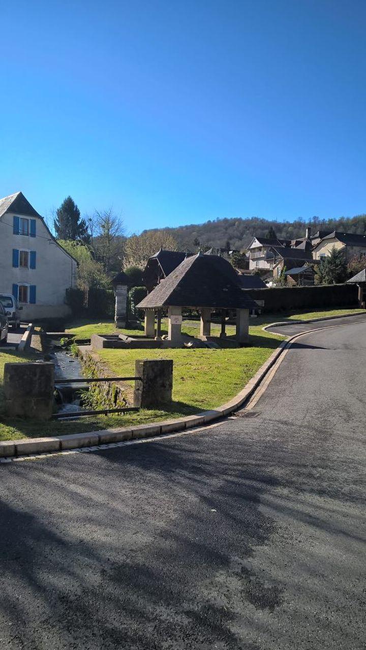 Ciel bleu dans les Pyrénées Atlantiques.