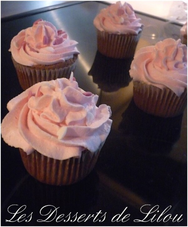 Cupcakes chocolat coeur nutella et chantilly framboise