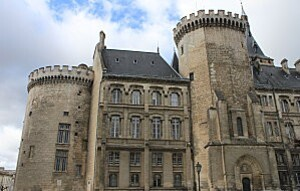 Angoulême 10 Mairie