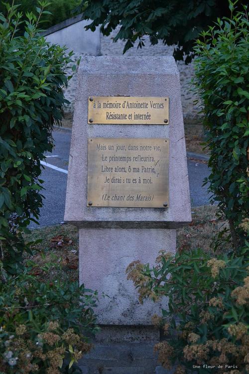 Rambouillet : Stèle hommage à Antoinette Vernes