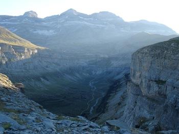 Au fond du canyon d'Ordesa : le cirque de Soaso au pied du Mont Perdu