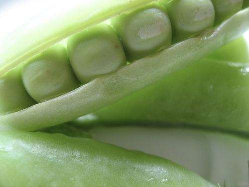 Les petits pois et les légumes verts ont la capacité de verser du glucose dans le sang.