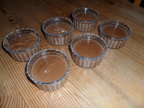 *** Crèmes au chocolat ***