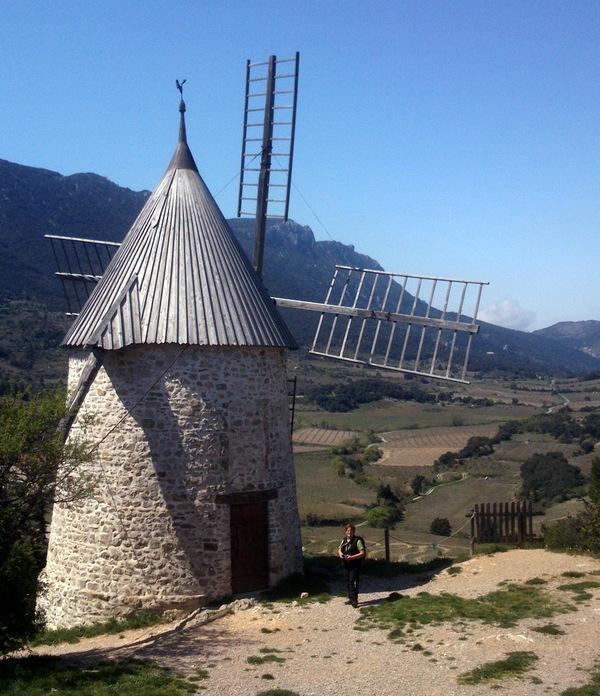 Cucugnan : le moulin.
