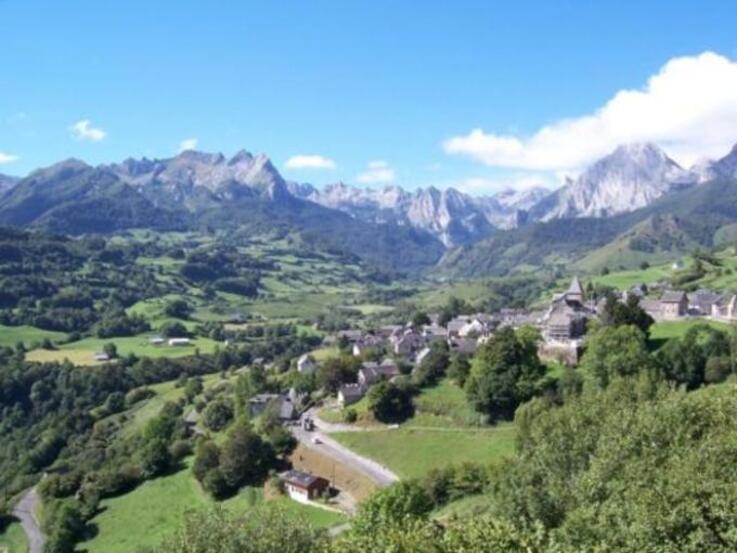 Dans les  Pyrénées-Atlantiques.