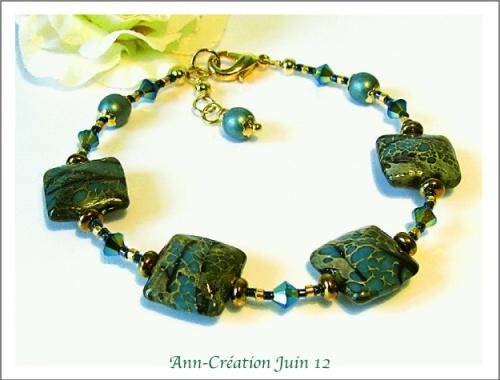 Bracelet Perles carrées Lampwork Bleu-Vert, Cristal de Swarovski / Laiton doré