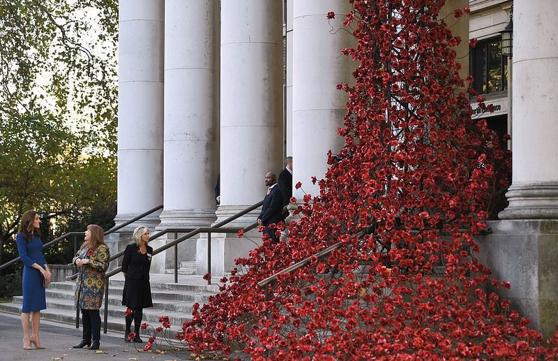 'Poppies: Weeping Willow' artwork by Paul Cummins and Tom Piper