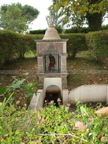 La source guérisseuse St Michel de Bias