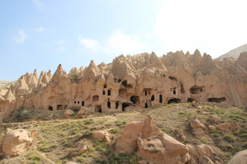 Habitat troglodytique dans le cirque de Zelve (Cappadoce)