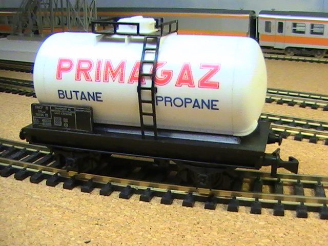 "Hornby Acho - Wagon citerne ""Primagaz""."