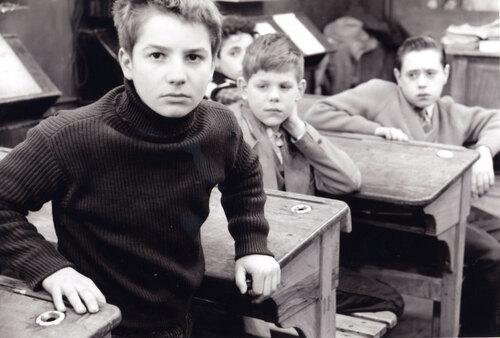 Sur les bancs de l'école