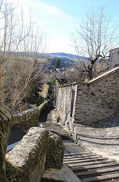 ville haute St Flour -35-