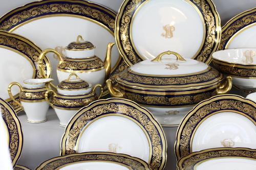 Porcelaine de Limoges: La nativité ,une œuvre contemporaine « La haute sphère ou Auréole»