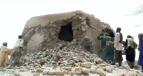 En juillet dernier, les Islamistes ont détruit les mausolées et les mosquées de Tombouctou;