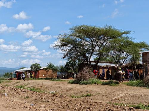 un petit village haut en couleur