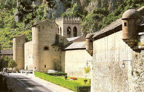 Pyrenées Orientales: côte et intérieur des terres