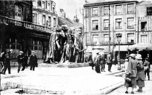 Les collections du musée brûlées, les Six Bourgeois mis à l'abri