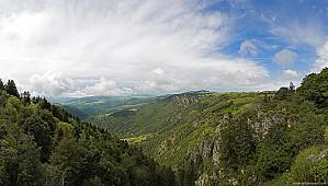 Saint-Jean-Lachalm 5884 Vallee-de-l-Allier-vue-de-St-Jean-l