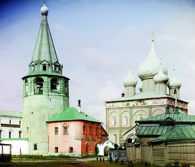 Amazing color separation! Sergei Prokudin-Gorskii: Cathedral of the Nativity of the Virgin, Suzdal, Russia, 1912: