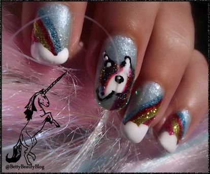 Nailstorming licorne paillettes et pays merveilleux