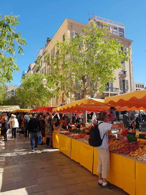 Toulon (le marché du cours Lafayette)