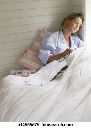 businesswoman-resting-work_~u14555675