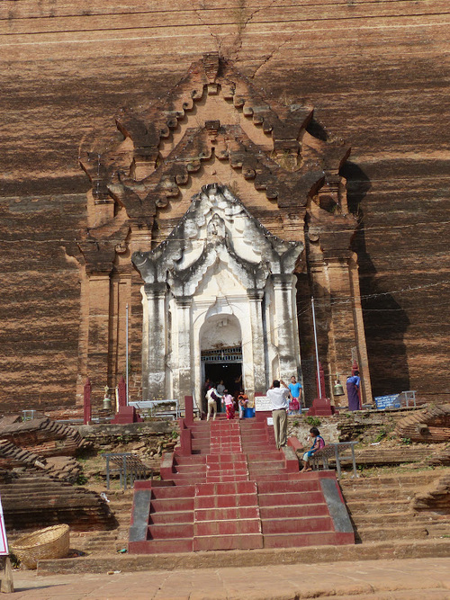 la pagode inachevée de Mingun