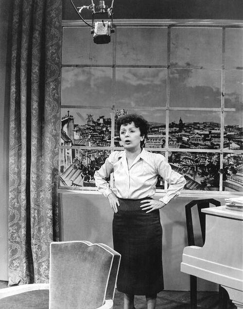L'étranger. Édith Piaf.