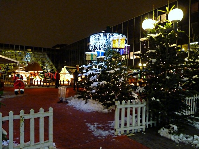Metz le village du Père Noël 16 mp1357 2010