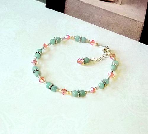 Bracelet pierre Amazonite vert d'eau 4mm et cristal de Swarovski rose saumoné / Plaqué argent
