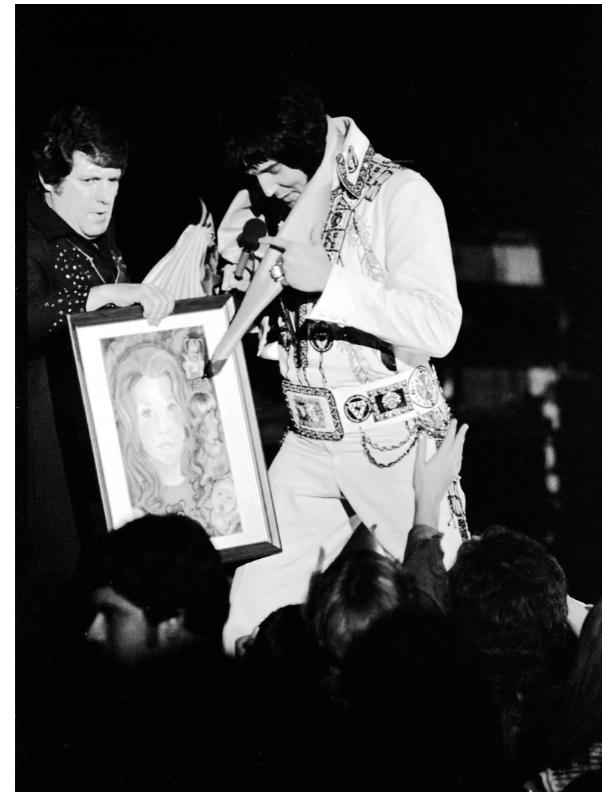 fait sur la venue d ELVIS en 1976 à EVANSVILLE