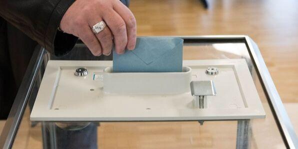 Election présidentielle : les deux tours fixés au 23 avril et au 7 mai