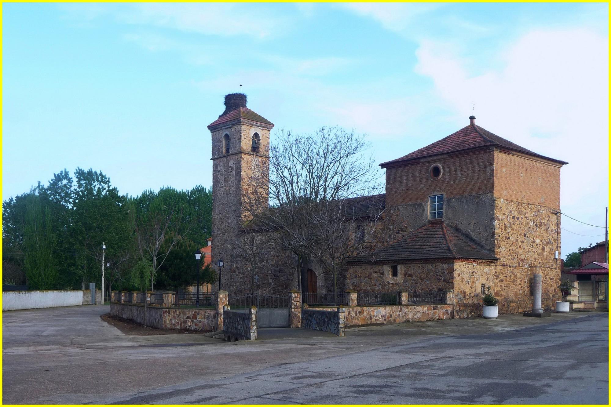 L'église de Villabrazaro entre Benavente et Alija de Infantado