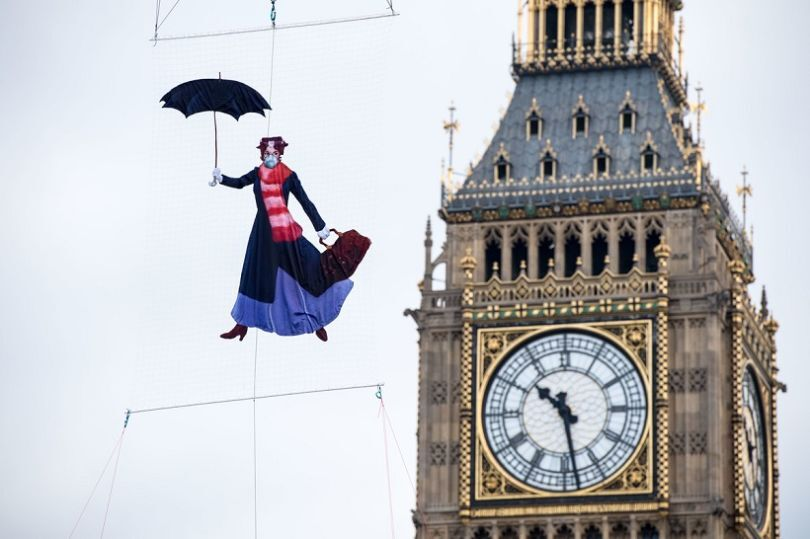 Mary Poppins in Air Pollution Protest in London over Westminster (©Somersethouse)