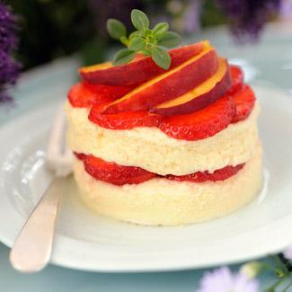 """Résultat de recherche d'images pour """"Crème à la vanille, fraises et pêches à la vapeur"""""""