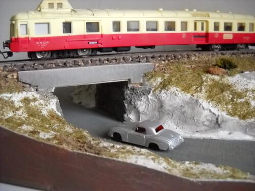 Pont routier et voie ferrée...