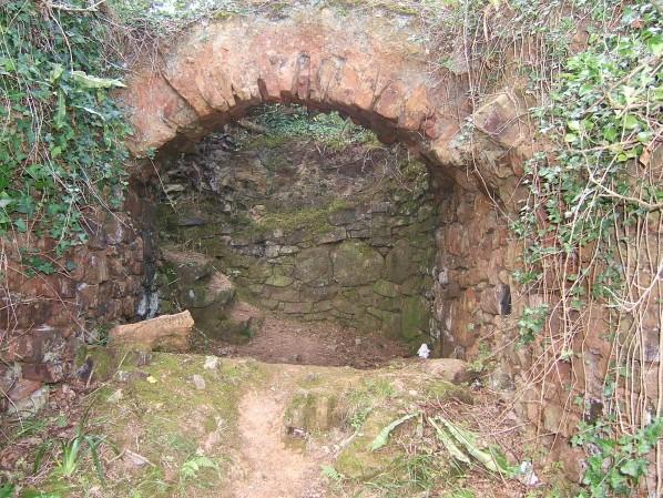vestiges ancien four a (2)