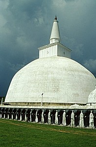 Sri-Lanka-Anuradhapura-dagoda-de-Ruvanvelisaya---2-