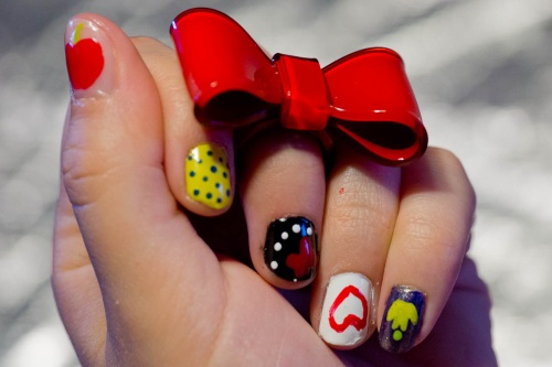 The Sunday nail battle : Blanche Neige